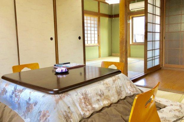 【八山】一軒家風客室(6畳+6畳) ※道路沿い