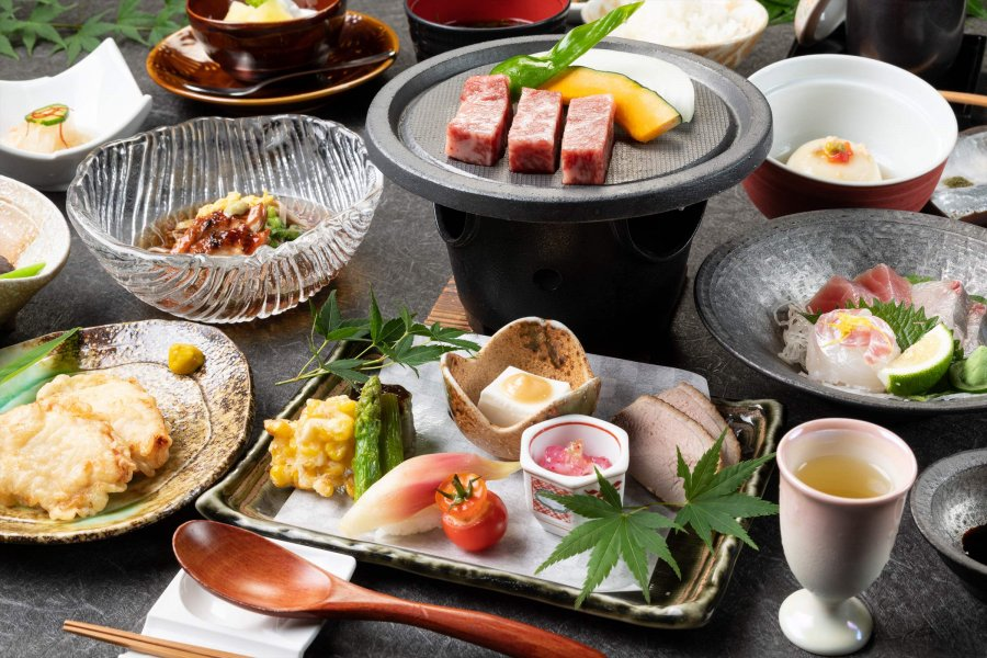 For those who want to enjoy assorted dishes ◆ Japanese Kaiseki at the 旅荘 牧場の家(Makiba no Ie)